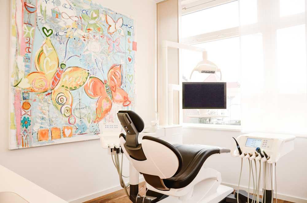 Zahnarztraxis Behandlungszimmer